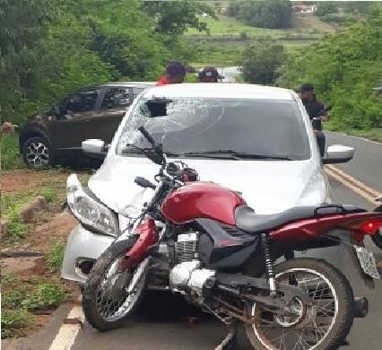 Suplente de vereador sofre acidente e fica ferido na PI-236 - Imagem 1