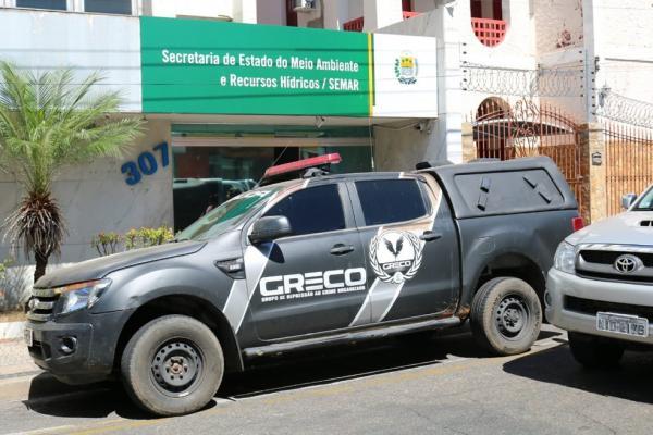 Greco cumpre mandados na Semar, em Teresina. (Foto: Lucas Barbosa/G1)
