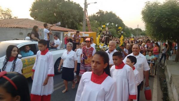 Procissão marca o encerramento dos Festejos (Foto: Mar4cos Genilson / AgoraPiauí)