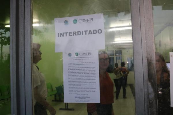 CRM-PI realiza interdição parcial da Maternidade Evangelina Rosa — Foto: Lucas Marreiros/G1 PI