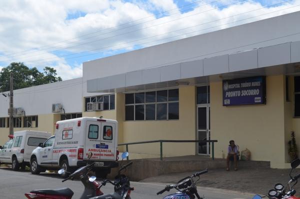 Vítima foi transferida para o Hospital Regional Tibério Nunes, em Floriano — Foto: Portal Cidade Luz