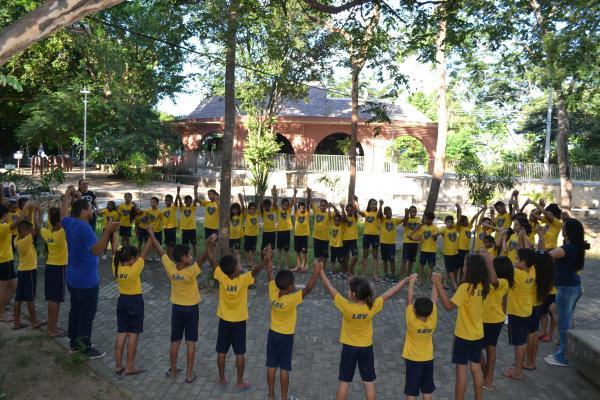 Crianças em atividade (Foto: Divulgação/ LBV)