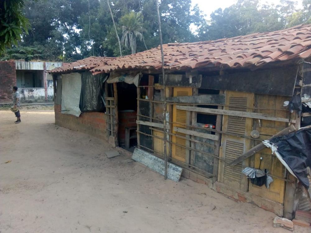 Presos da Major César moravam em casebre, denuncia Sinpoljuspi. (Foto: Divulgação/Sinpoljuspi)