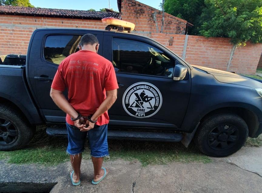 Polícia prendeu suspeito de esfaquear e matar peixeiro (Foto:Polícia Civil/Divulgação)