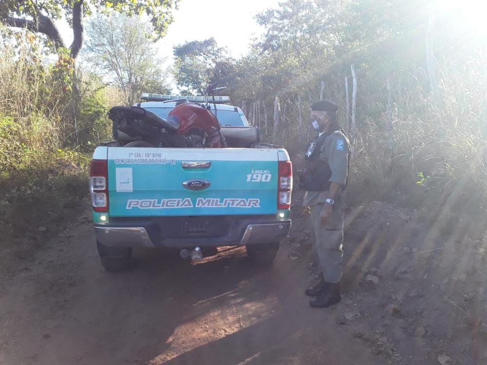 Polícia Militar recupera moto roubada na Zona Rural de São Pedro do Piauí