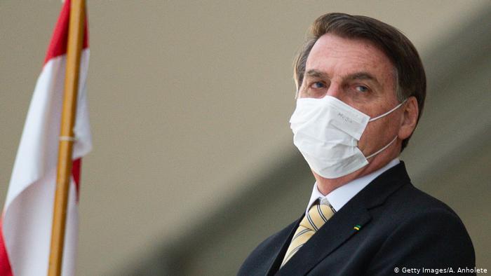 Bolsonaro fez anúncio nas redes sociais