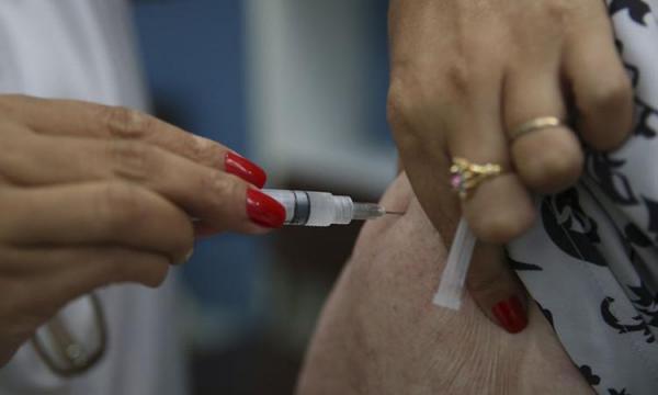 Vacinação contra a gripe (Foto: Marcello Casal Jr/Arquivo Agência Brasil)