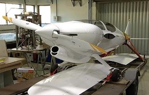 Alunos da UFMG criam avião mais rápido do planeta em sua categoria